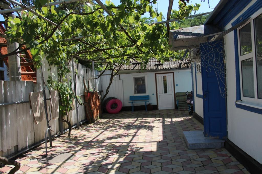 Дом в Игуменица далеко моря недорого