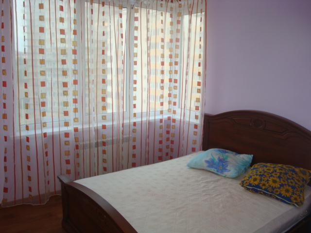 Квартира в аренду на длительный срок пафос
